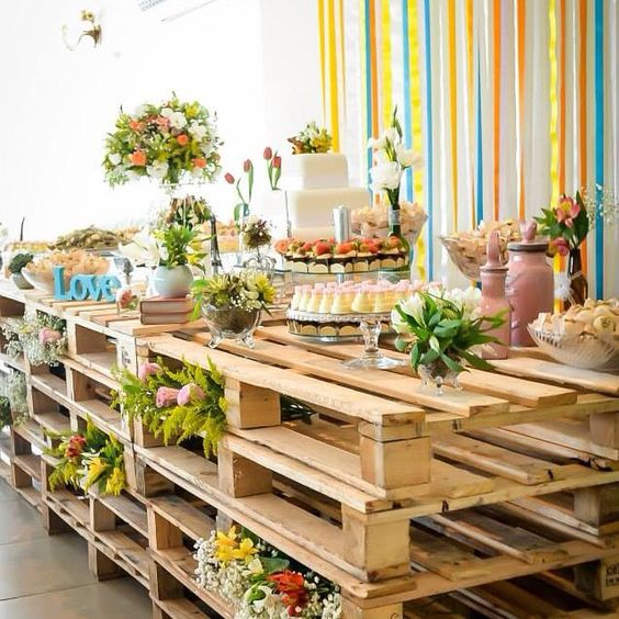 Wedding decoration rustic table with pallets
