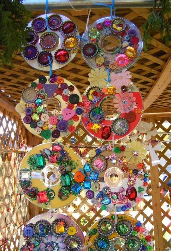 Enfeites criativos feitos de artesanato com CD
