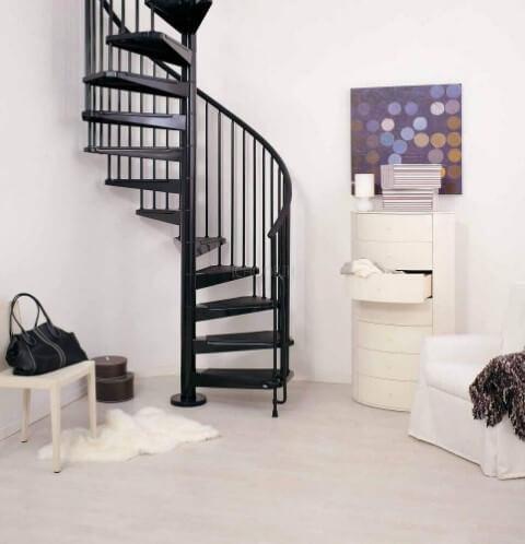 Escada de ferro caracol preto