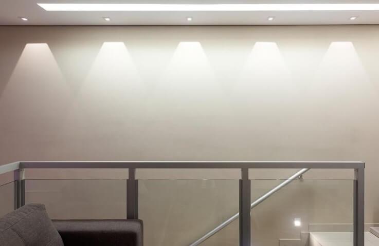 Escada de ferro e vidro Projeto de Laura Santos