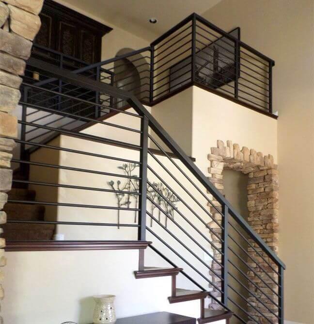 Escada de ferro em U