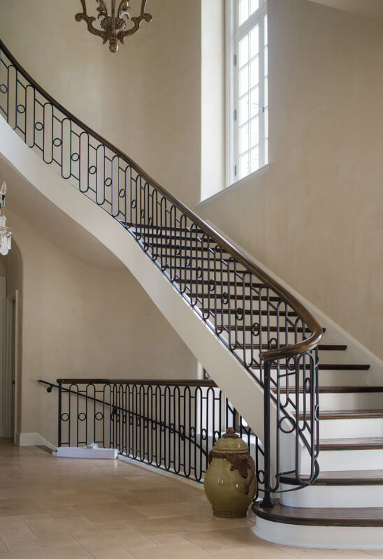 Escada de ferro grande