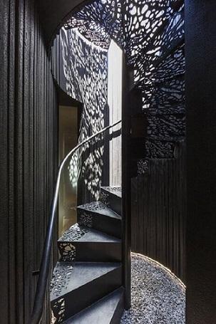 Escada de ferro preto