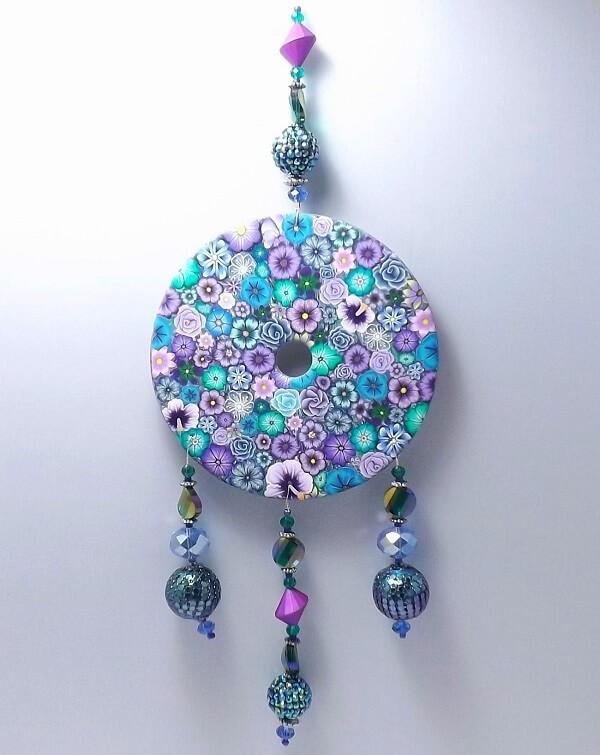 Filtro dos sonhos feito de artesanato com CD