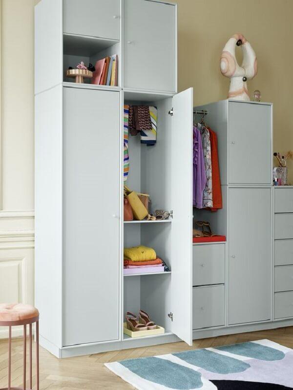 Guarda roupa modulado moderno para dormitório. Fonte: Pinterest
