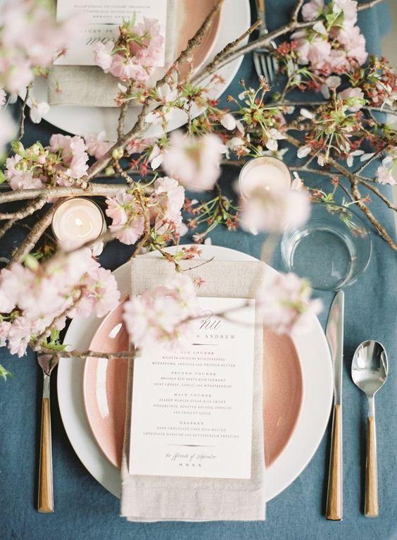 Jantar romântico rosa e azul