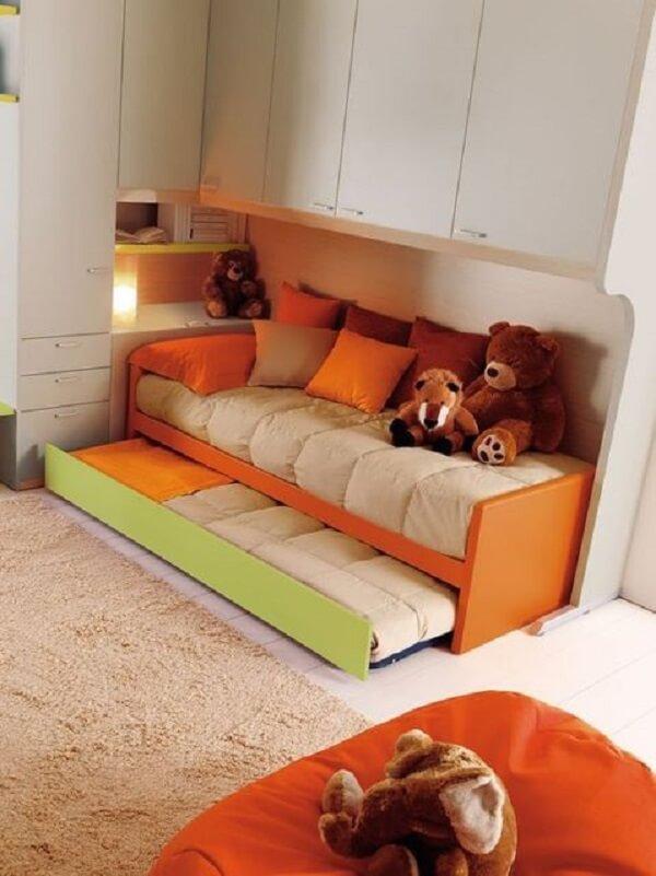 O guarda roupa modulado é perfeito para dormitório pequeno. Fonte: Pinterest