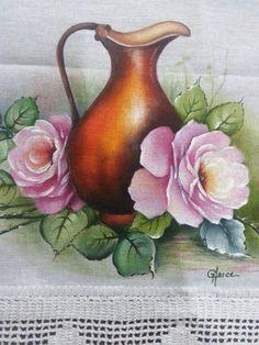 Pintura em tecido com flores e jarra