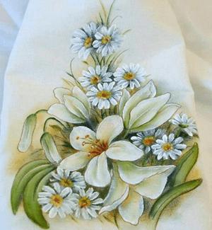 Pintura em tecido com flores