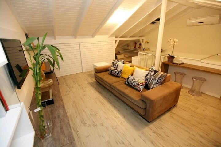 Pisos para sala de madeira Projeto de Cristina Rei