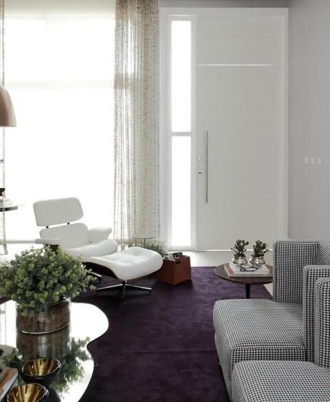 Poltronas para sala de estar brancas Eames Projeto de Rodrigo Fonseca