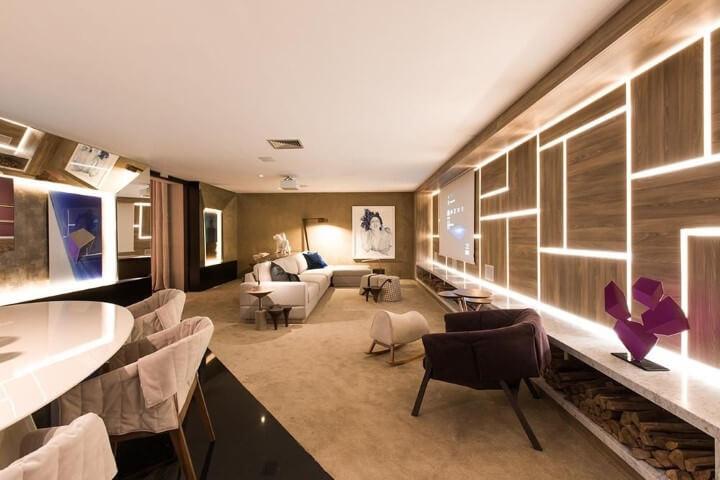 Poltronas para sala de estar escuras Projeto de Camila Klein