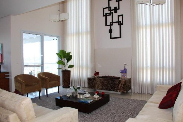 Poltronas para sala de estar marrons Projeto de Leonice Alves