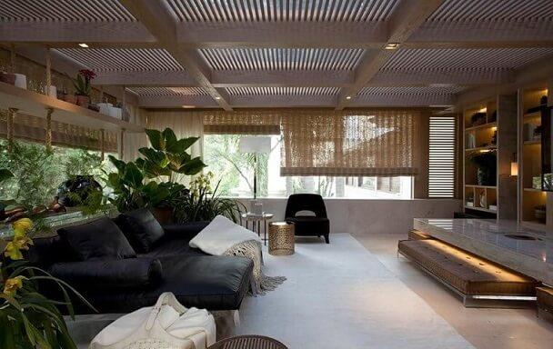 Poltronas para sala de estar pretas Projeto de Negrelli e Teixeira