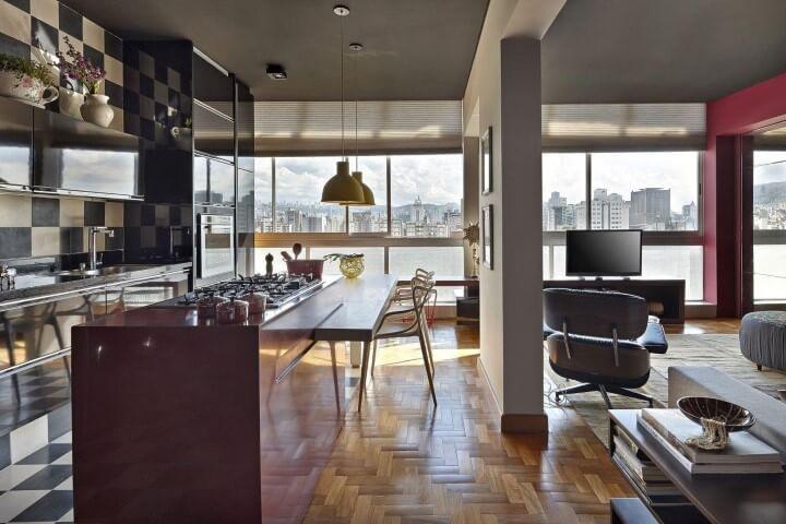 Sala com pisos para sala de taco de madeira Projeto de Gislene Lopes