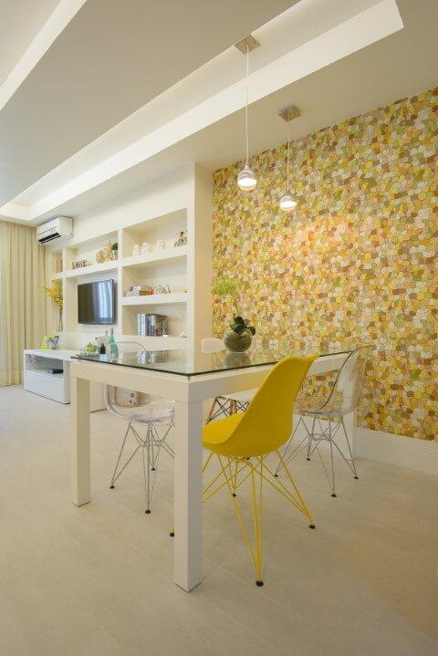 Sala de jantar com papel de parede 3D Projeto de Ravaglia Philot