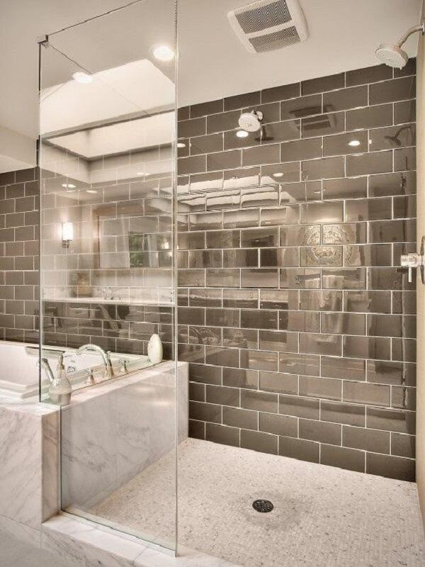 Traga requinte para o ambiente incluindo azulejo para banheiro estilo metrô
