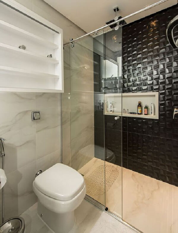 Traga requinte para o espaço incluindo azulejo para banheiro preto