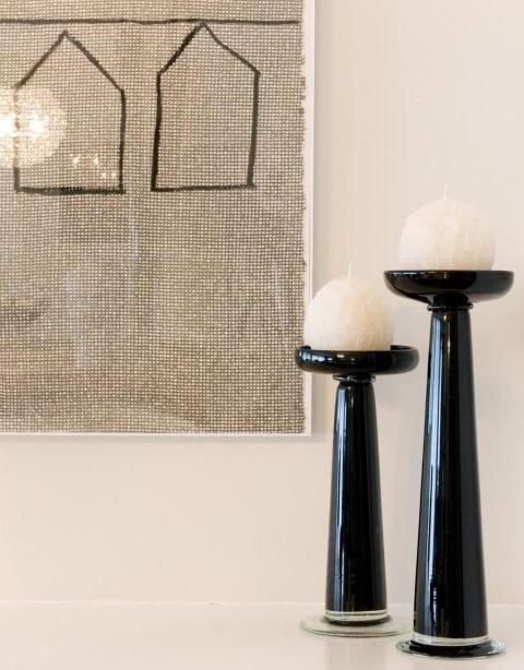 Velas representam o elemento fogo no Feng Shui Projeto de Marilia Veiga