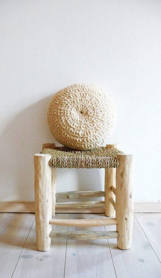 almofada de crochê redonda com modelo simples