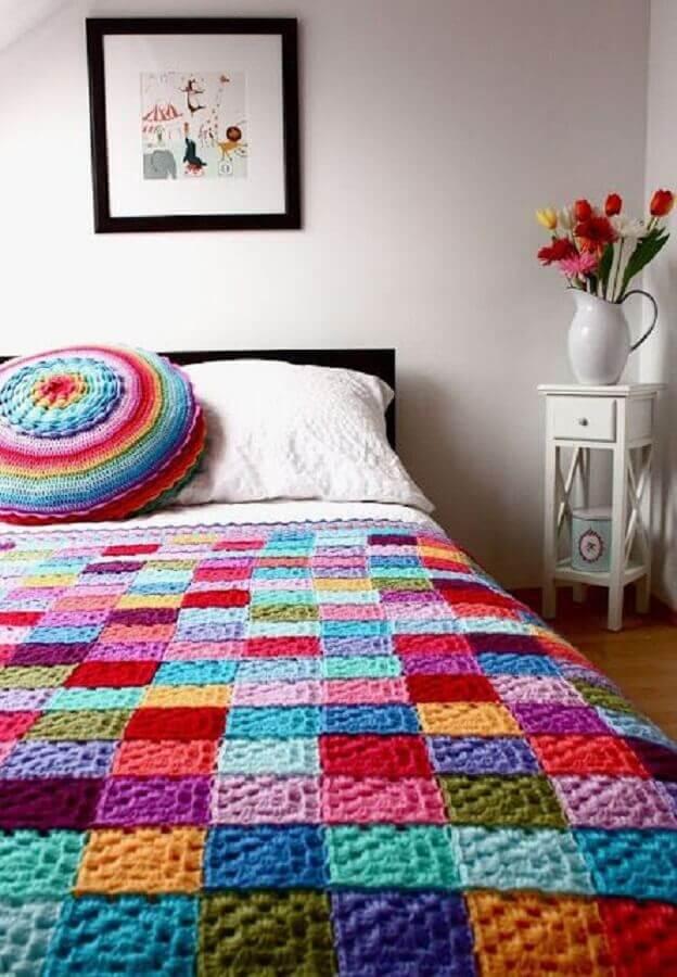 almofada de crochê redonda e colorida