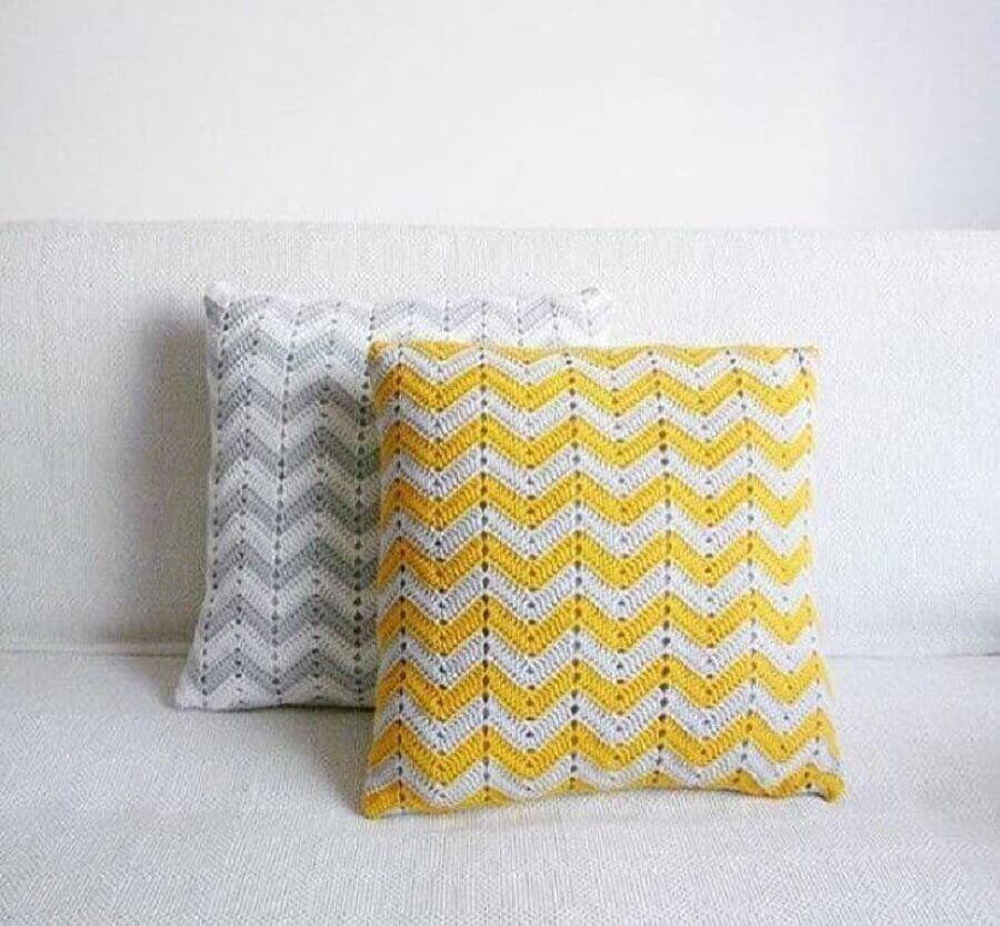 almofadas de crochê com estampa geométrica