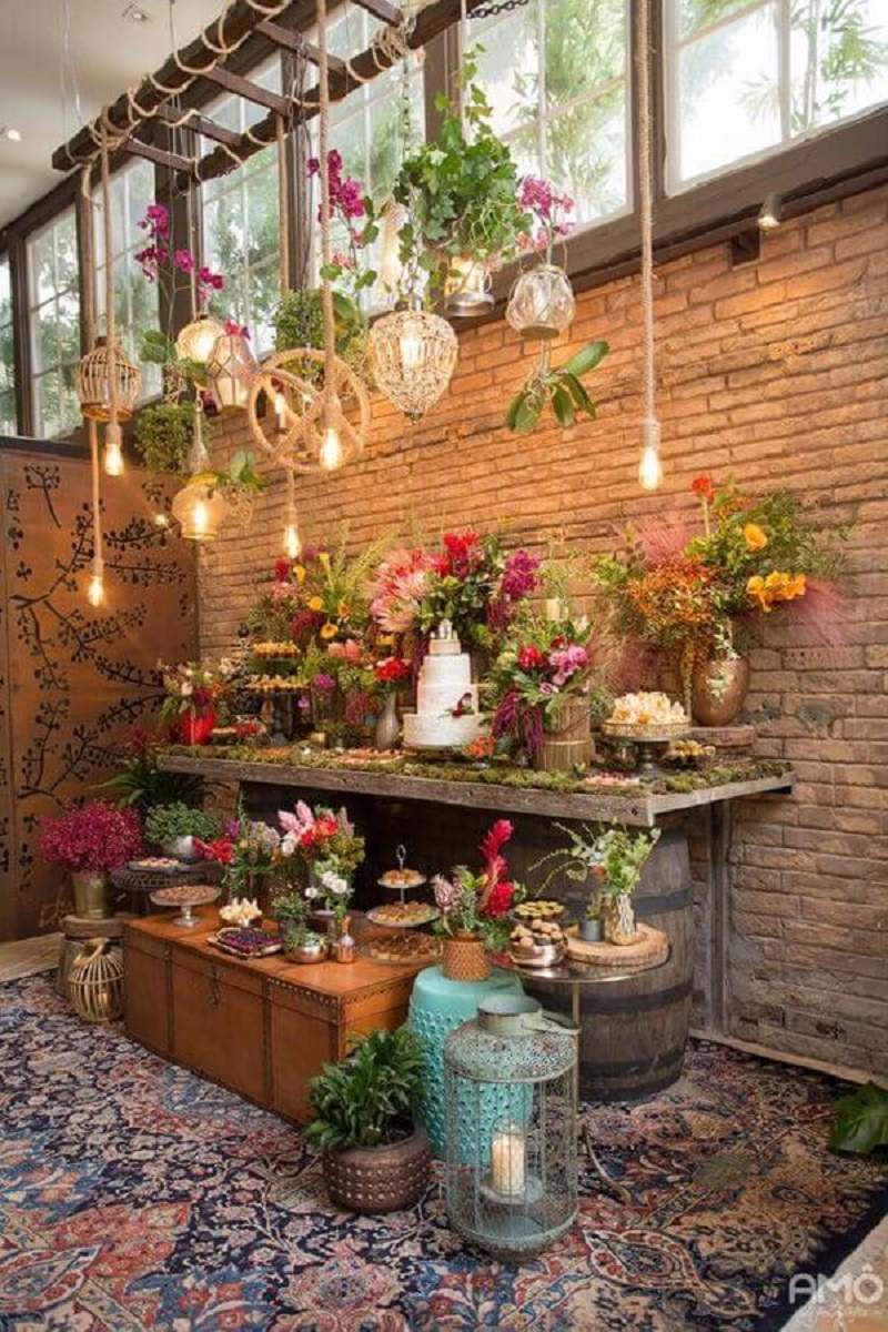 colorful flower arrangements for rustic wedding table decoration Foto Ideias Decor