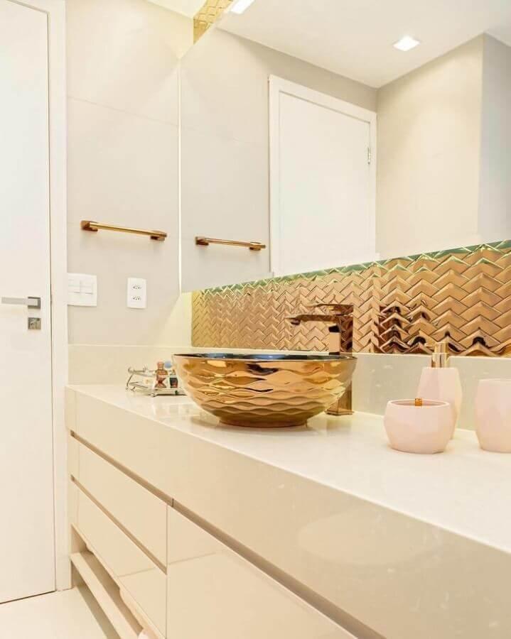 bancada de banheiro com cuba dourada Foto Rafaella Nogueira