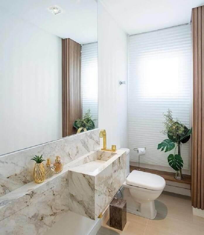 bancada de mármore para banheiro sofisticado com acabamento dourado Foto Dicas Decor