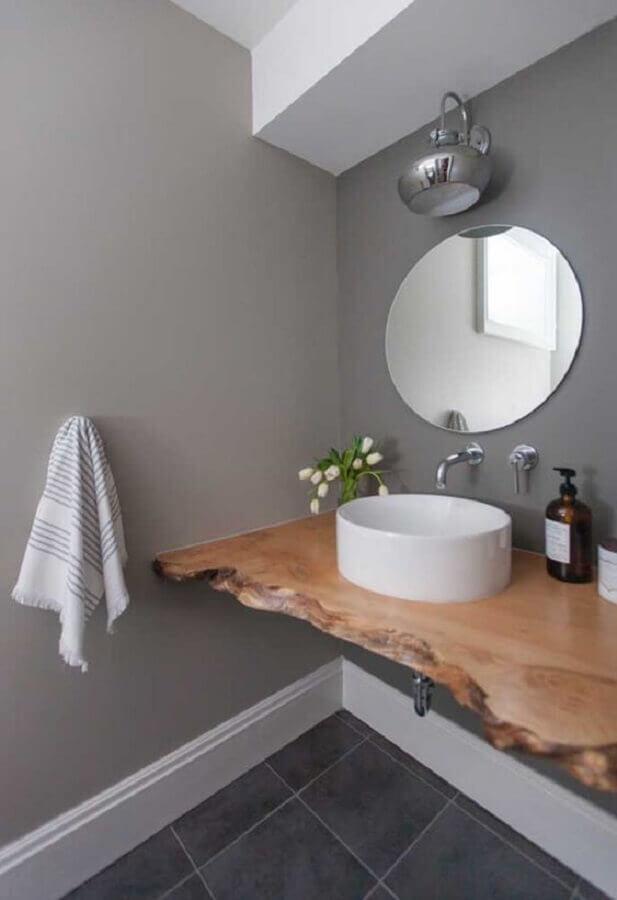 bancada de madeira de demolição para banheiro Foto Webcomunica
