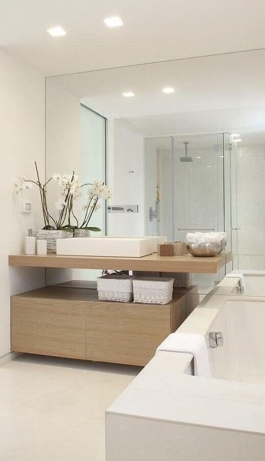 bancada de madeira para banheiro todo branco Foto Pinterest