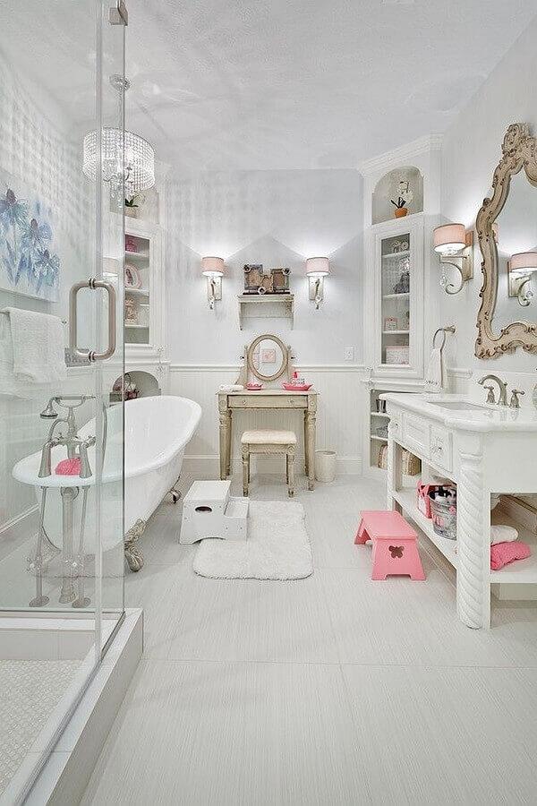 banheiro decorado com estilo provençal