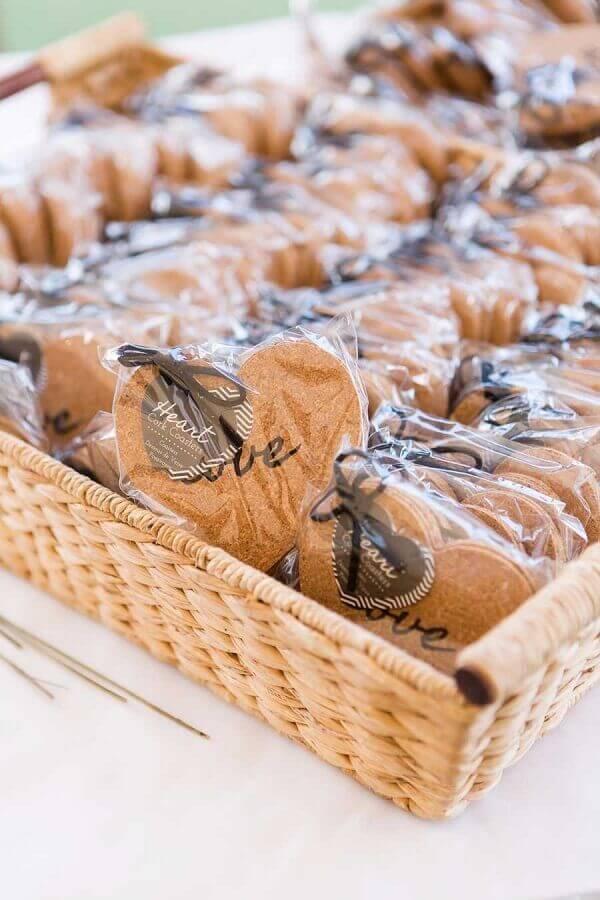 biscoitos confeitados lembrancinhas de casamento simples