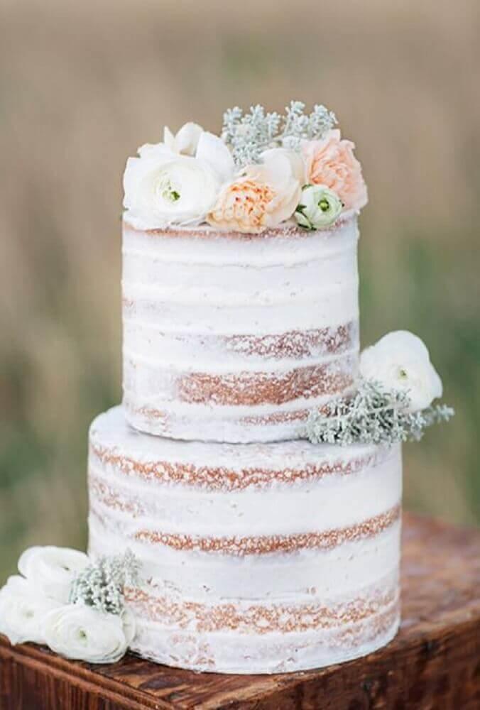 bolo de casamento 2 andares com decoração rústica