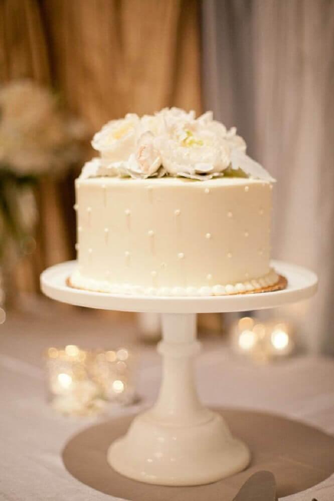 bolo de casamento simples e delicado