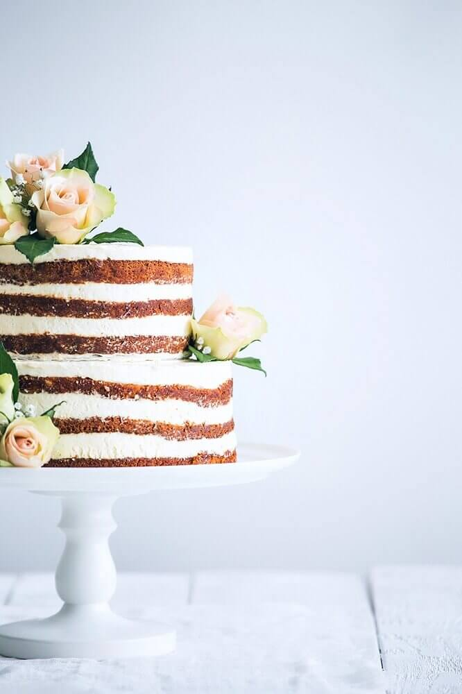 bolo de casamento simples naked cake