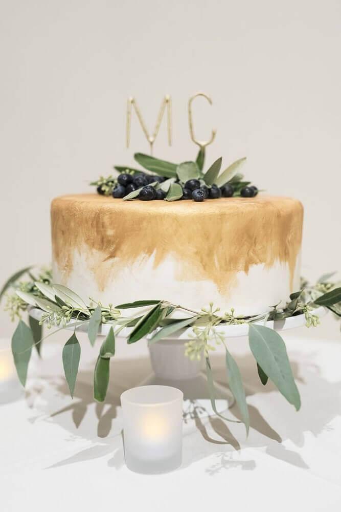 bolo de casamento simples decorado
