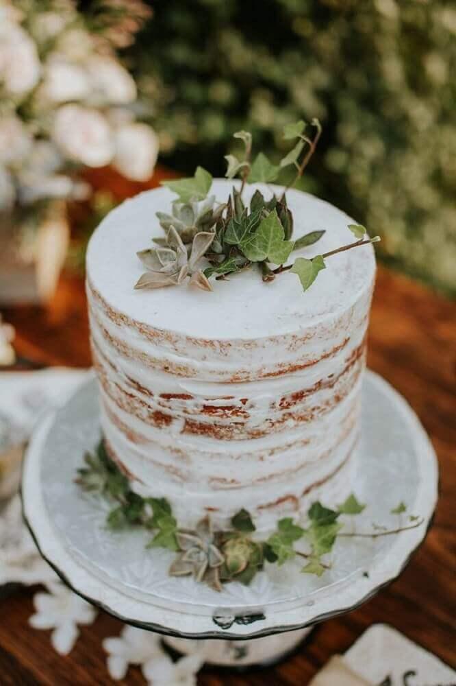 bolo simples de casamento decorado com suculentas