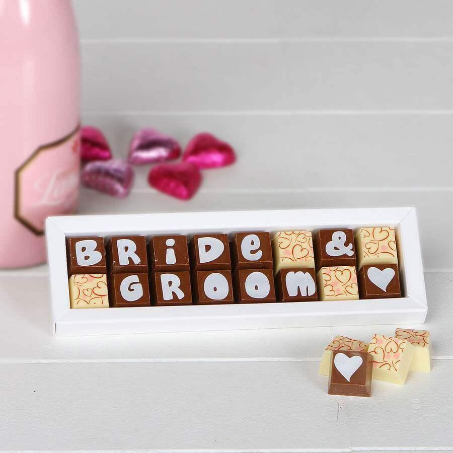 caixa de chocolate personalizada como lembrancinhas para casamento