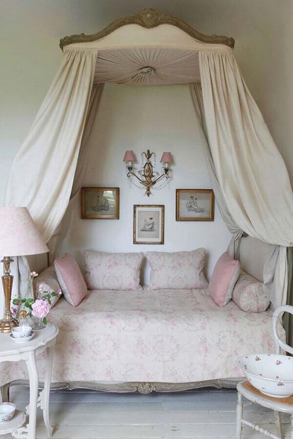 cama com dossel para quarto provençal