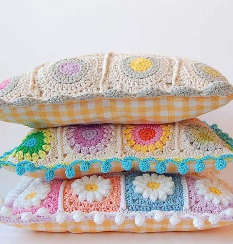 capas de almofadas de crochê com flores