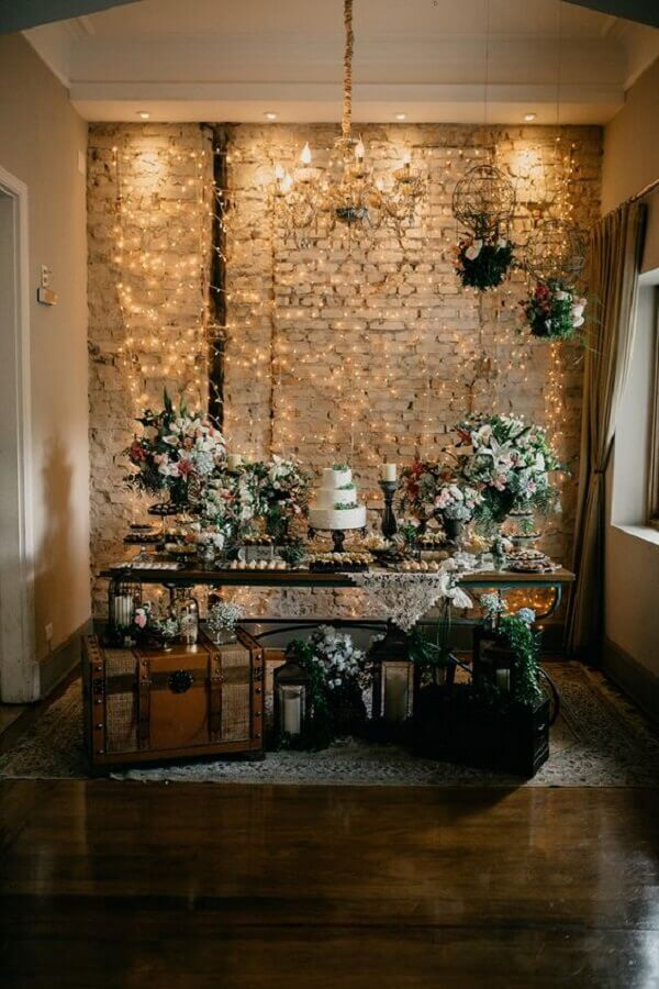 light curtain on brick wall for rustic wedding decoration Photo Bride Pencil