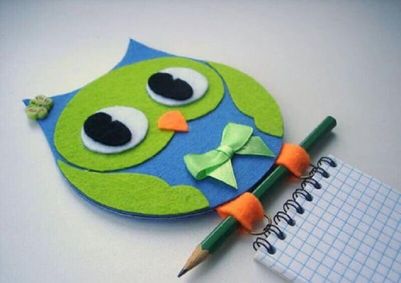 coruja feita de cd e eva