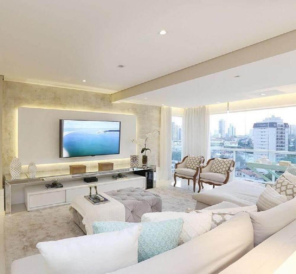 decoração clean com painel para sala de estar