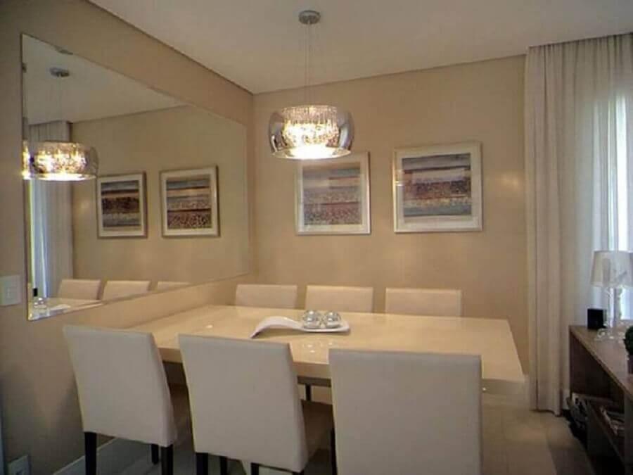 decoração com espelho bisotê para sala de jantar pequena
