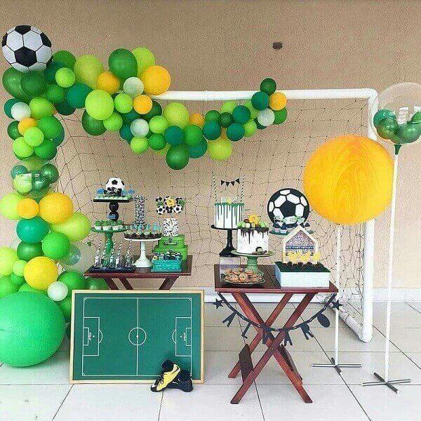 decoração de copa do mundo - mesa de futebol