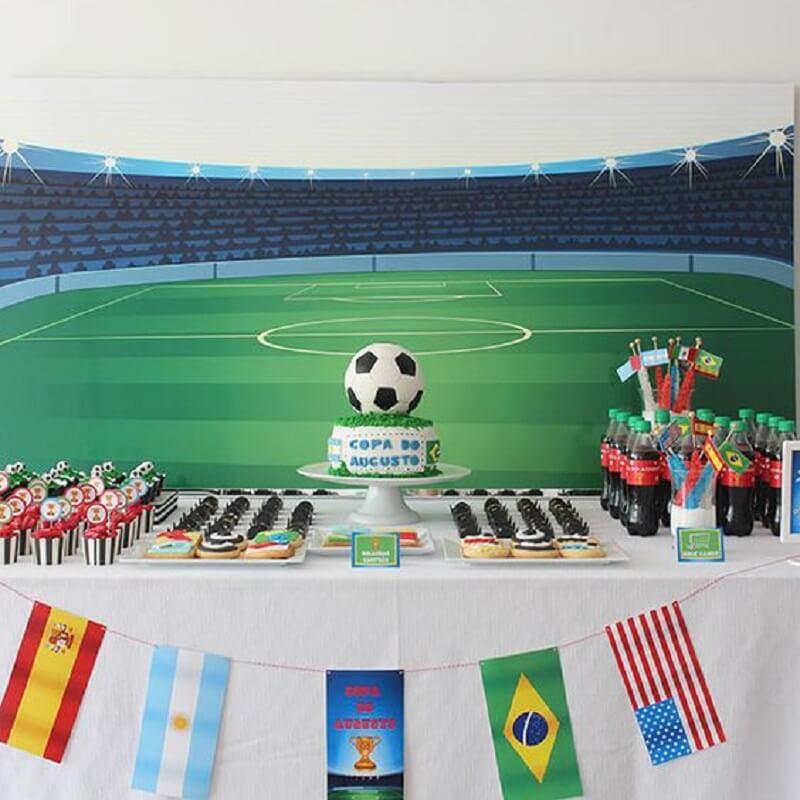 decoração de copa do mundo - mesa do bolo