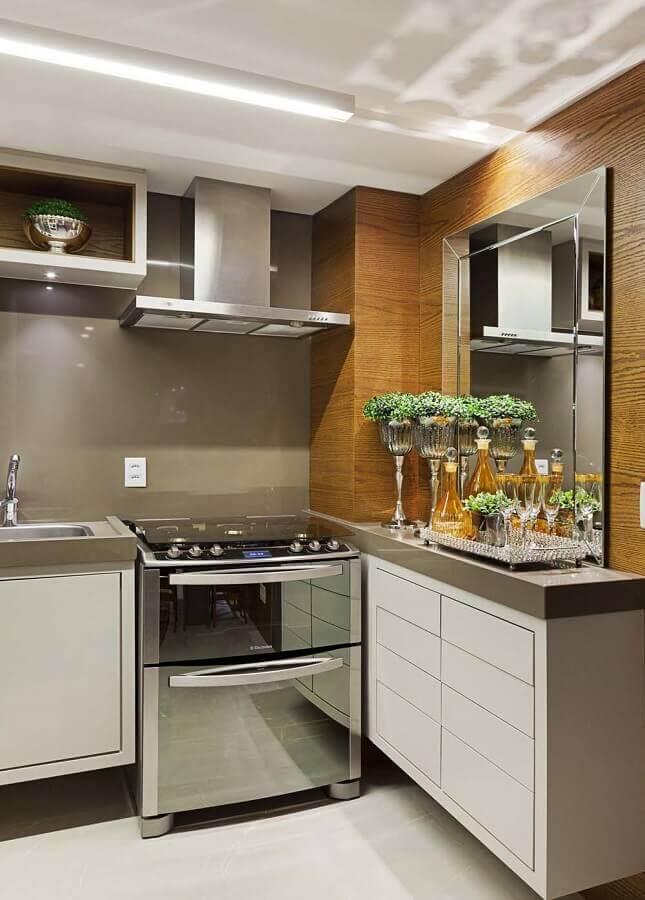 decoração de cozinha com espelho bisotado