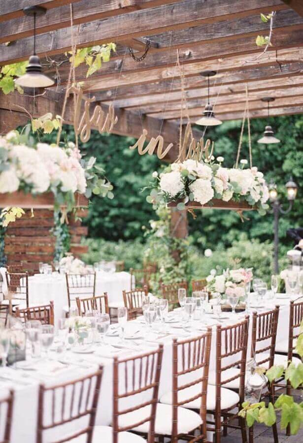 rustic outdoor wedding party decoration Foto Pinterest