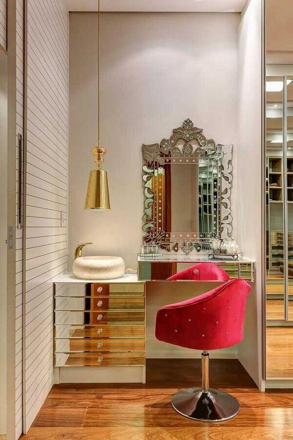 decoração de penteadeira com espelho bisotado